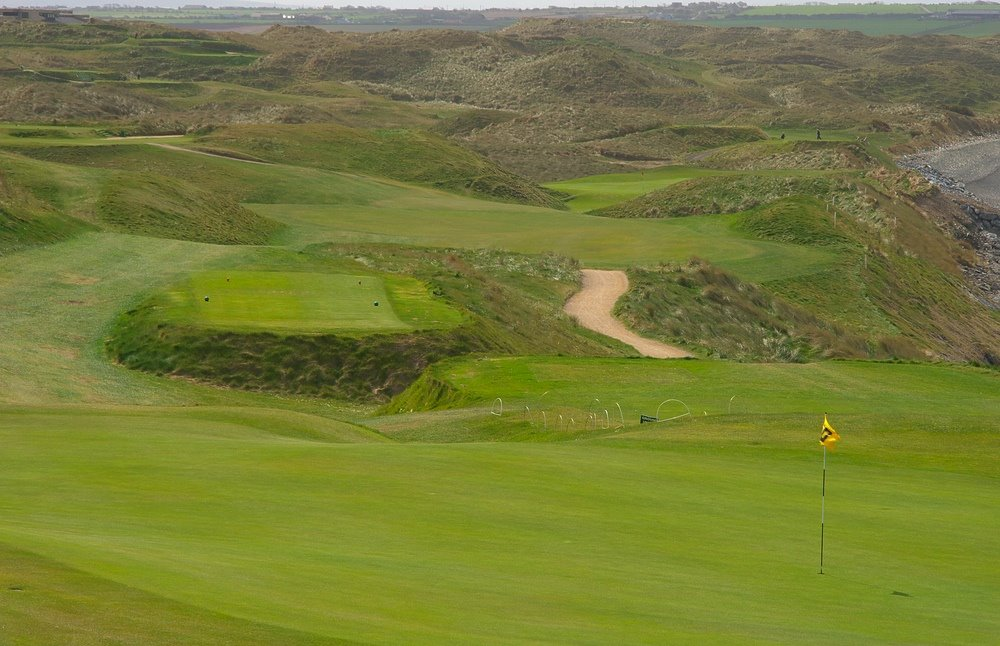 drive into the dunes at the 11.th of Ballybunion GC