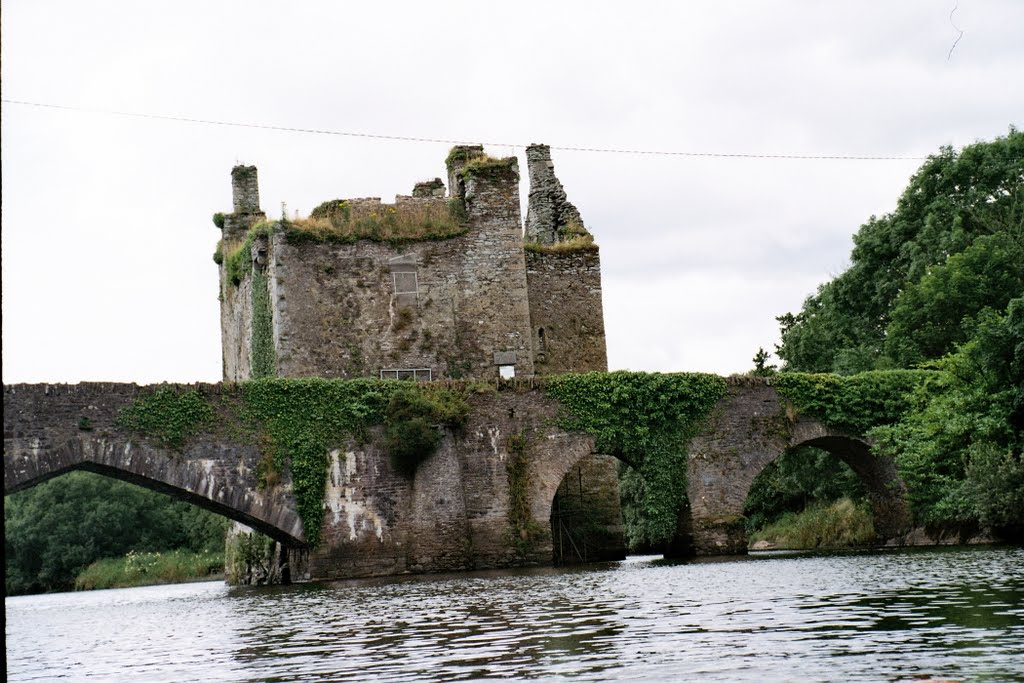 Carrigadrohid Castle, Co. Cork, Ireland