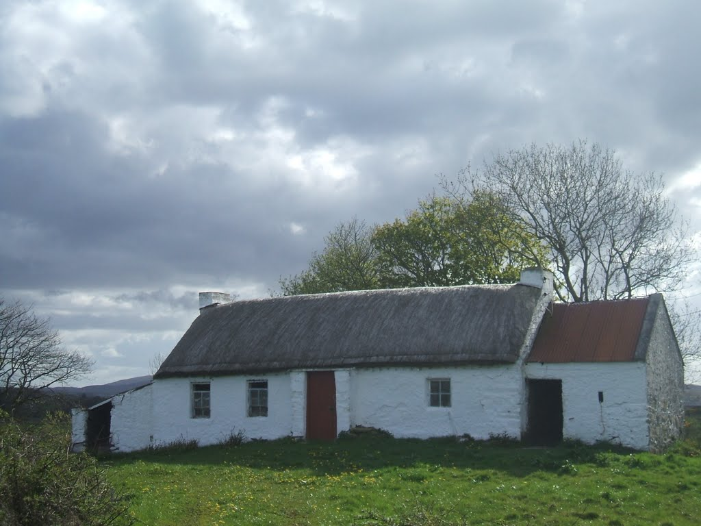 Old Thatched cottage Co donegal Ireland