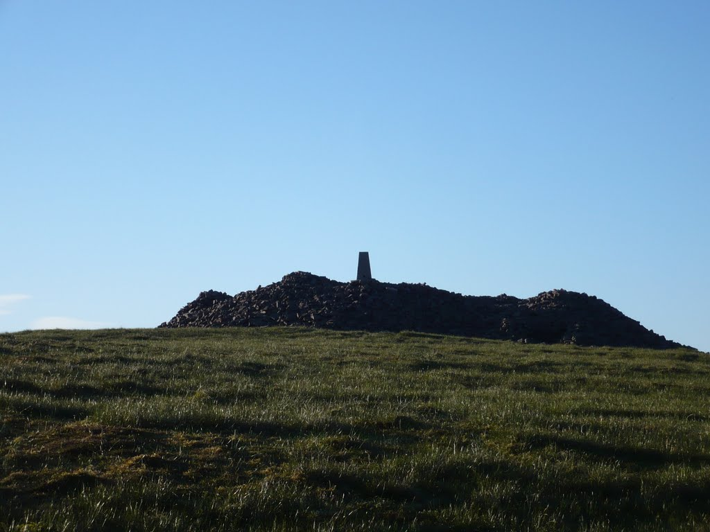 Cairn at summit of Temple Hill