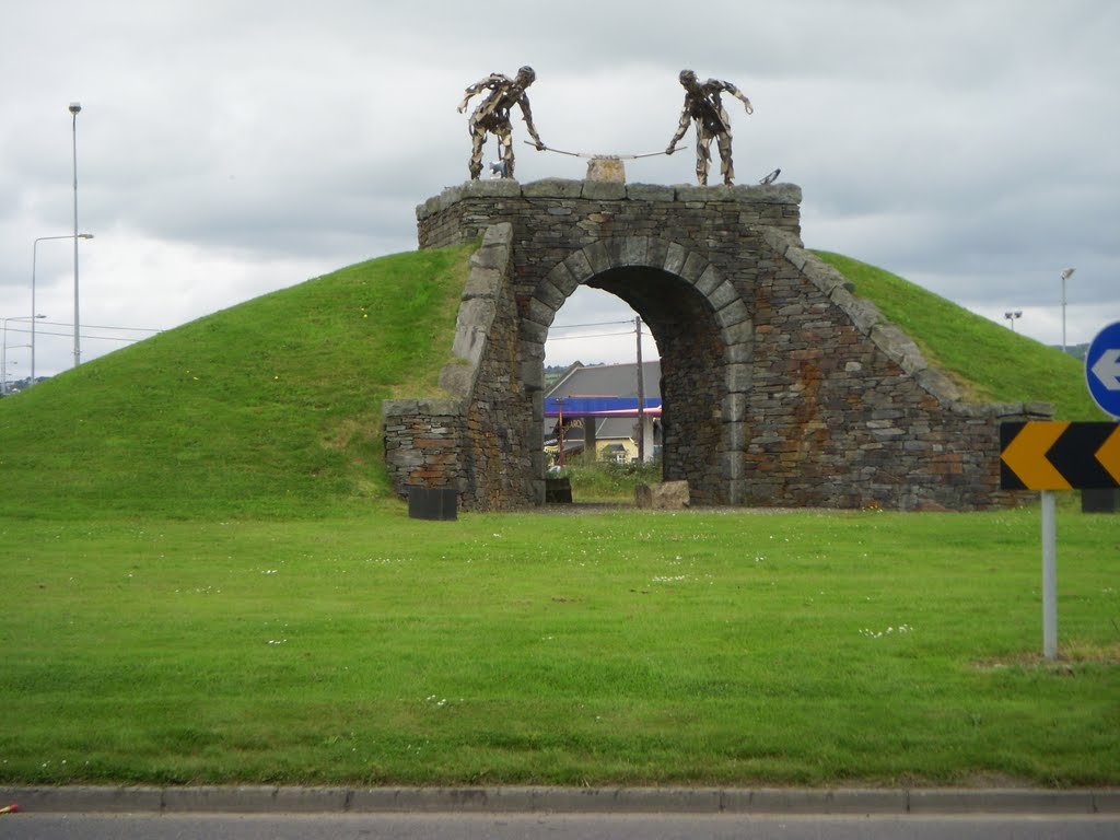 Dry Arch Roundabout, Letterkenny, railway platelayers....in tin!.