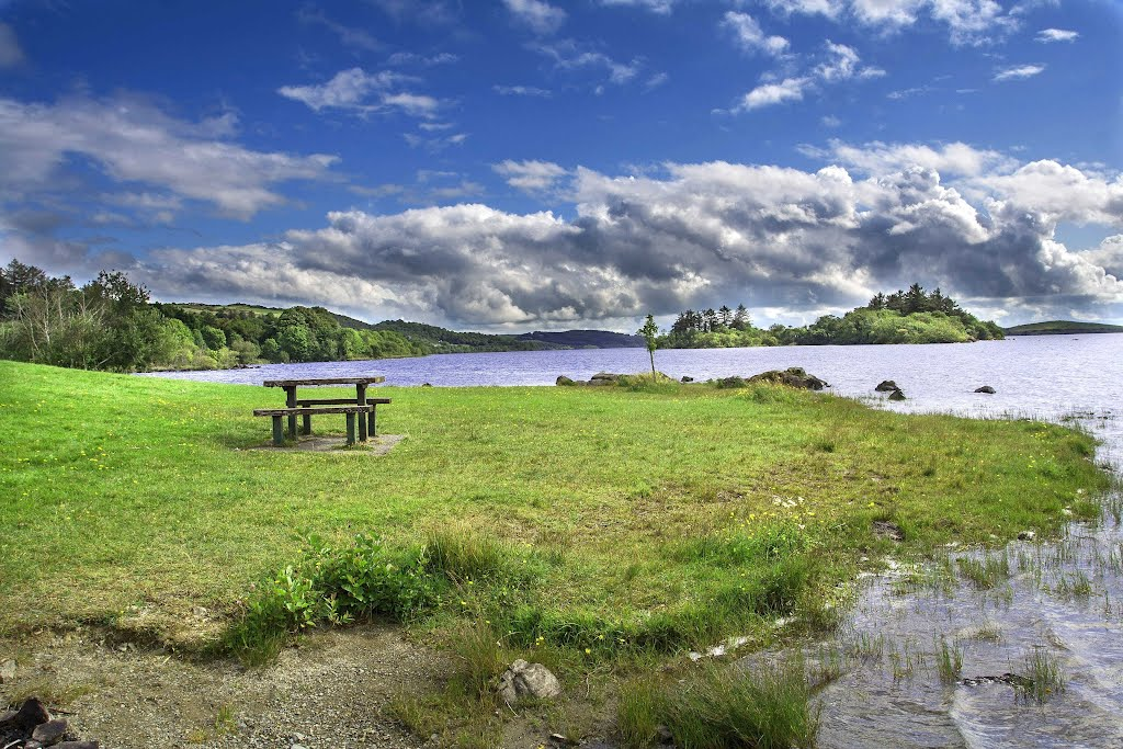 Picnic table, lake, calm, Ireland, near Cong.