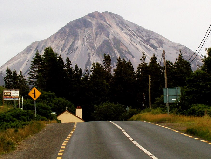 mb - 18:57 Mount Errigal